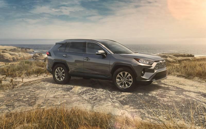 Hyundai Dealership Near Me >> Comparison - Toyota RAV4 Limited 2019 - vs - Hyundai Creta ...