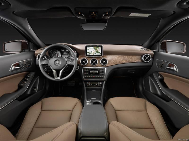 Comparison mercedes benz gla class gla250 2015 vs for Mercedes benz gla class interior