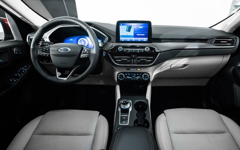 Ford Escape Sport >> Comparison - Ford Escape Titanium Hybrid 2020 - vs - Infiniti QX30 ESSENTIAL 2019 | SUV Drive