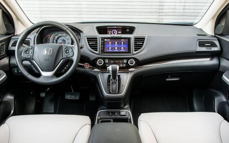 Comparison - Honda CR-V 2015 - vs - Cadillac XT4 Sport 2019 | SUV Drive