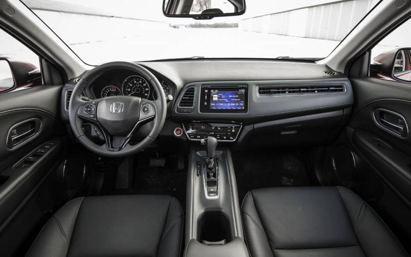 Nissan Rogue Interior >> Comparison - Honda HR-V LX 2018 - vs - Hyundai Kona Electric 2019 | SUV Drive