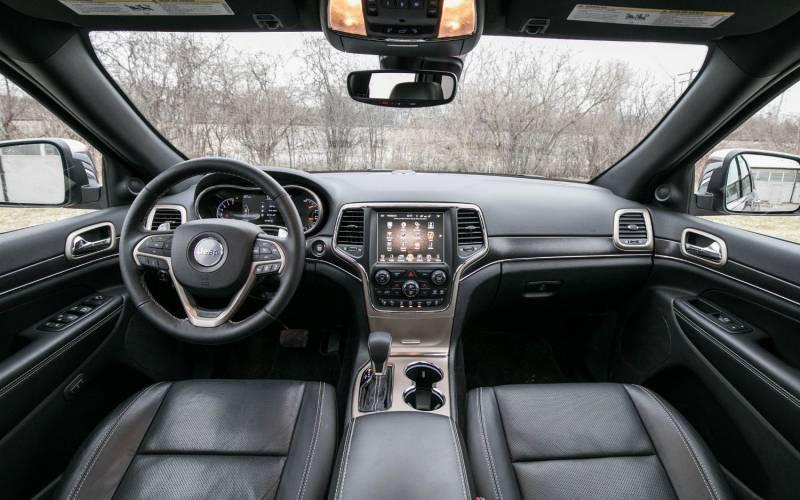 Comparison - Jeep Grand Cherokee Overland 2018 - vs ...