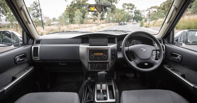 Comparison - Nissan Patrol Y61 ST 2016 - vs - Toyota 4Runner