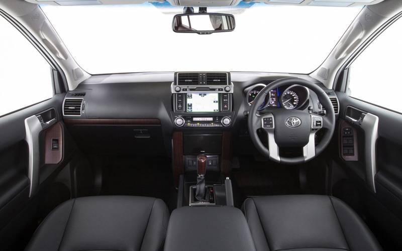 Comparison Chevrolet Traverse High Country 2018 Vs Toyota Land Cruiser Prado Gx 2017 Suv