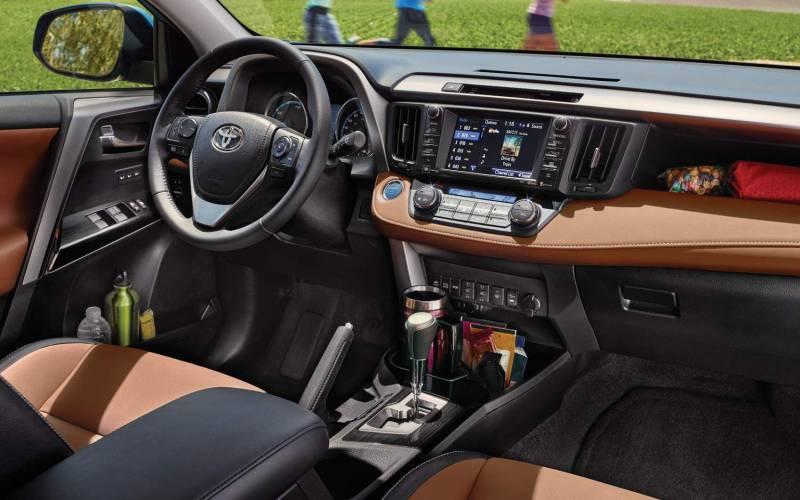 Comparison Toyota Rav4 Se 2017 Vs Toyota Venza 2015 Suv Drive