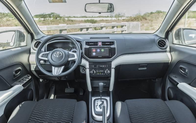 Interior Front Toyota Rush At