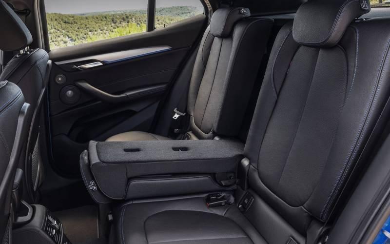 Comparison Bmw X2 Xdrive28i M Sport X 2018 Vs Bmw X3