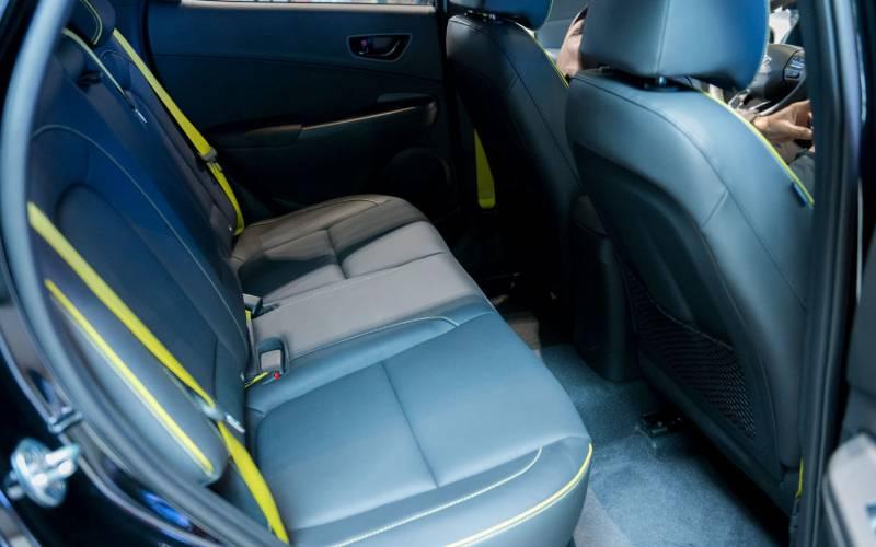 hyundai kona se 2018 suv drive. Black Bedroom Furniture Sets. Home Design Ideas