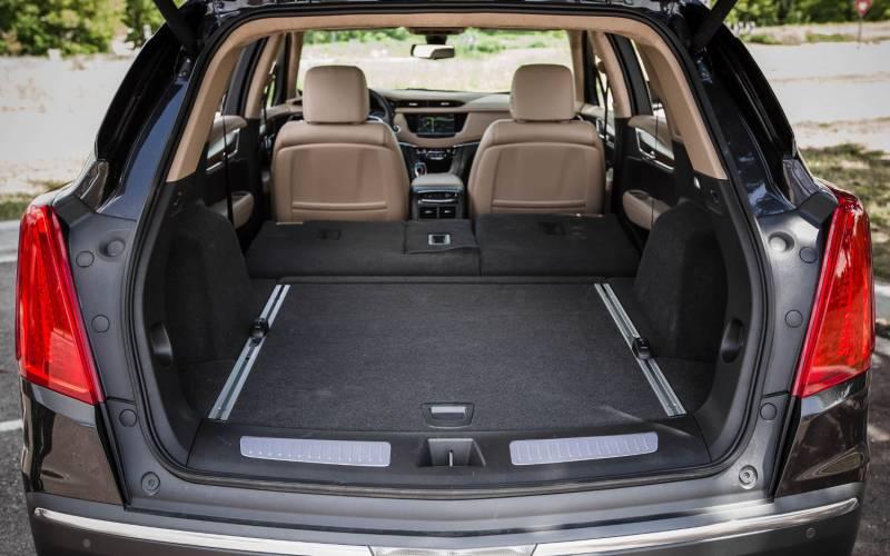 Comparison - Cadillac XT5 Luxury 2018 - vs - Lincoln MKX ...