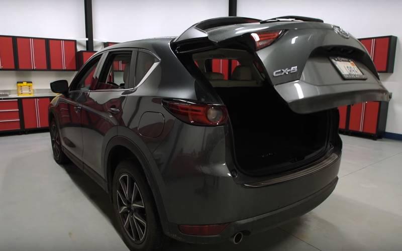 Comparison - Mazda CX-5 Grand Touring 2017 - vs - Volvo ...