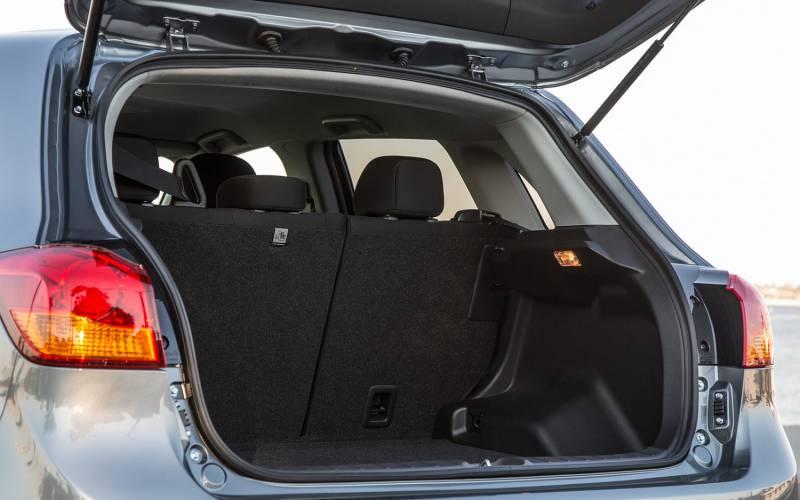comparison mitsubishi outlander sport gt 2017 vs koda kodiaq se 2017 suv drive. Black Bedroom Furniture Sets. Home Design Ideas