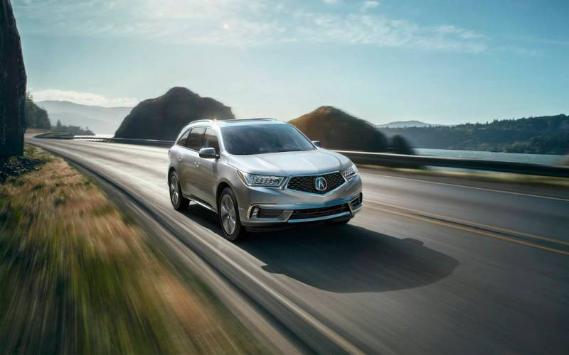 Comparison - Volkswagen Atlas SEL 2018 - vs - Acura MDX Base 2017   SUV Drive