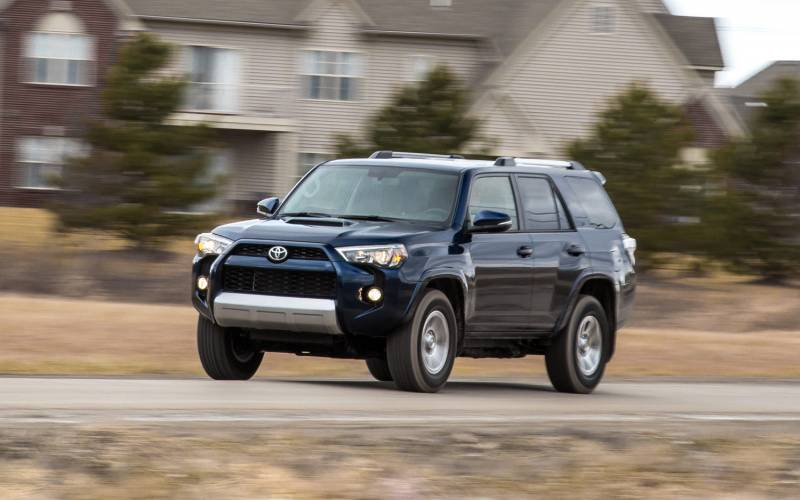 Comparison - Toyota 4Runner SR5 Premium 2016 - vs - Subaru ...
