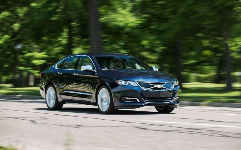 2017 Cadillac Cts 3 6 L Premium Luxury >> Comparison - Chevrolet Impala Premier 2019 - vs - Cadillac ...