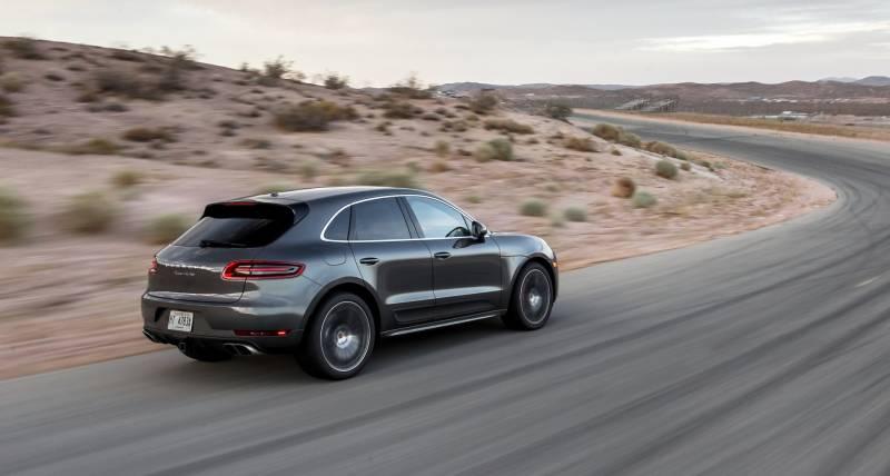 Comparison Bmw X6 M 2016 Vs Porsche Macan Turbo 2016