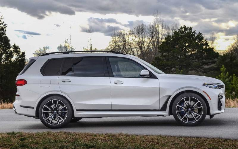 Comparison Bmw X7 Xdrive50i 2019 Vs Bmw X6 M50i 2020