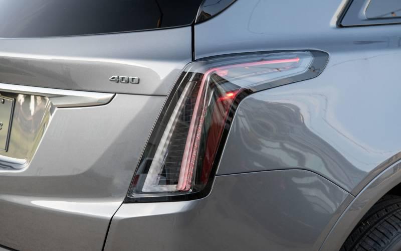 Comparison Cadillac Xt5 Luxury 2020 Vs Cadillac Xt4