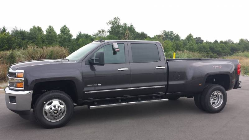 comparison chevrolet silverado 3500hd crew cab ltz 2015. Black Bedroom Furniture Sets. Home Design Ideas