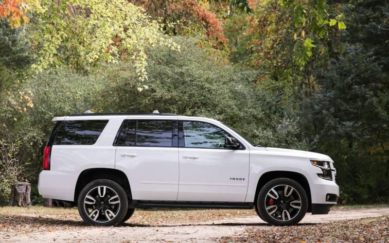 Comparison - Chevrolet Tahoe Premier 2018 - vs - Mercedes ...