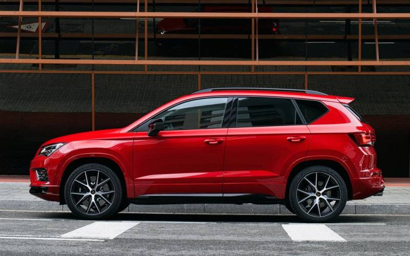 Crossover Vs Suv >> Comparison - Hyundai Venue SEL 2020 - vs - Cupra Ateca ...