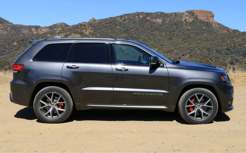 Comparison - Ford Explorer Sport 2017 - vs - Jeep Grand ...
