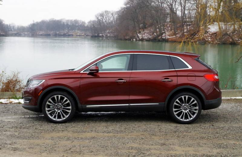 comparison lincoln mkx 2016 vs gmc acadia denali. Black Bedroom Furniture Sets. Home Design Ideas