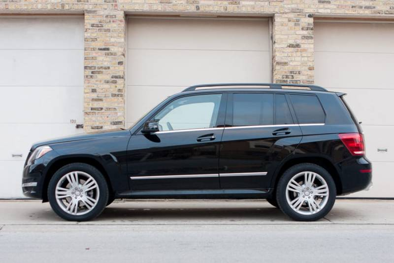Comparison mercedes benz glk class glk350 vs jeep for Mercedes benz that looks like a jeep