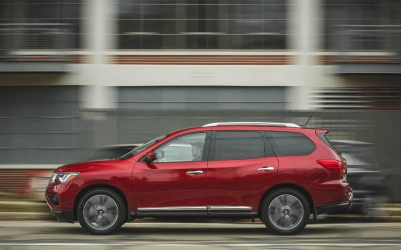 Comparison - Nissan Pathfinder Platinum 2018 - vs - Jeep ...