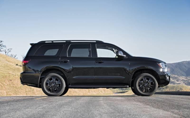 Comparison Toyota Sequoia Limited 2018 Vs Cadillac