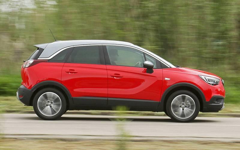 Comparison Vauxhall Crossland X 2017 Vs Peugeot 5008