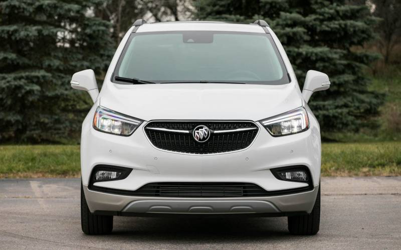 comparison buick encore sport touring 2018 vs jac s2 intelligent 2018 suv drive. Black Bedroom Furniture Sets. Home Design Ideas