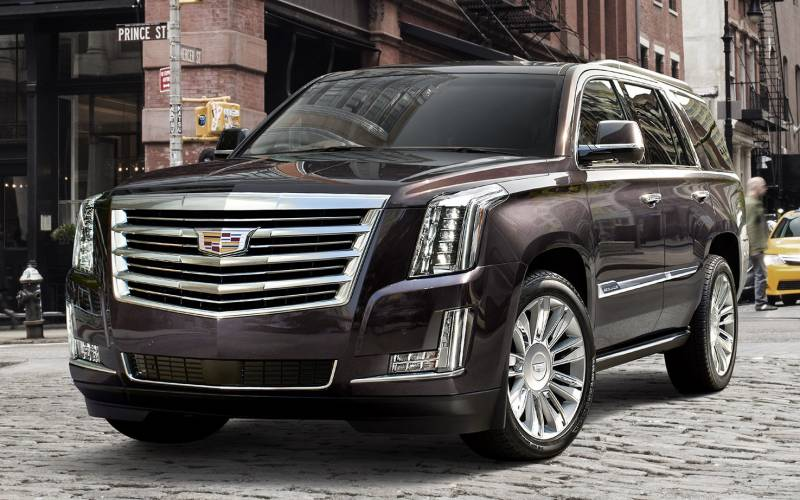 2017 Cadillac Escalade >> Comparison - GMC Yukon XL Denali 2017 - vs - Cadillac Escalade ESV Luxury 2017 | SUV Drive