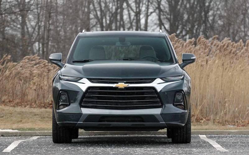 Comparison - Chevrolet Blazer Premier 2020 - vs - Mazda CX ...