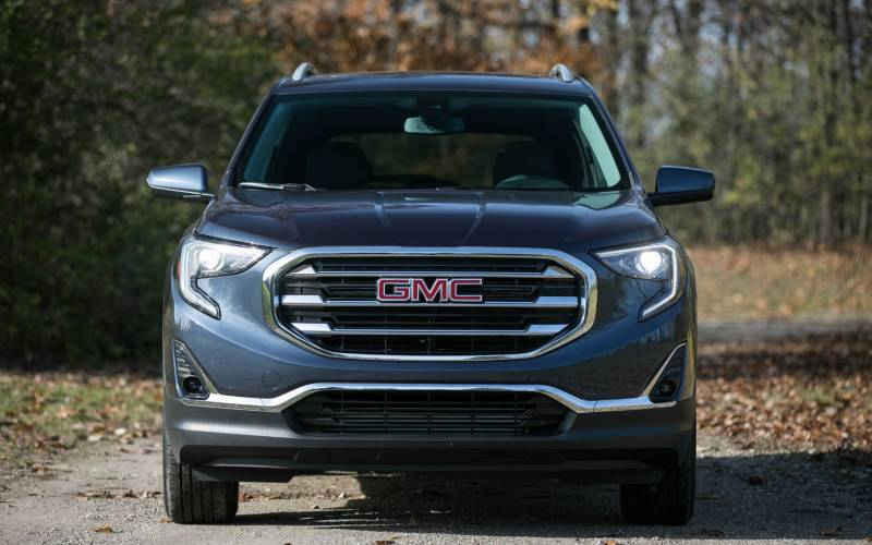 Comparison Gmc Terrain Slt 2018 Vs Subaru Outback 2