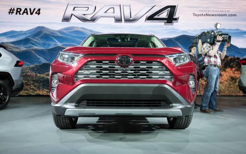 Comparison Toyota Rav4 Limited 2019 Vs Hyundai Creta