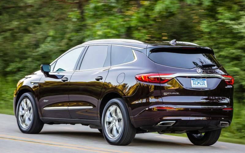 Comparison - Buick Enclave Avenir 2020 - vs - Chevrolet ...