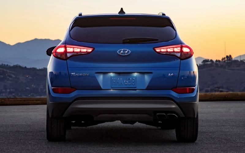 Comparison Hyundai Tucson SE 2016 Vs Kia Sportage EX
